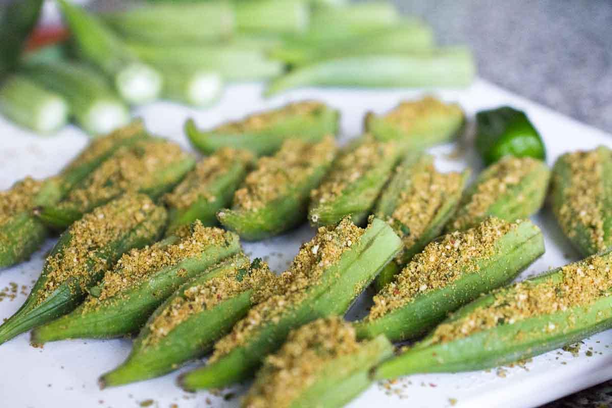 Stuffed okra an indian take on a versatile vegetable for Ocra pianta