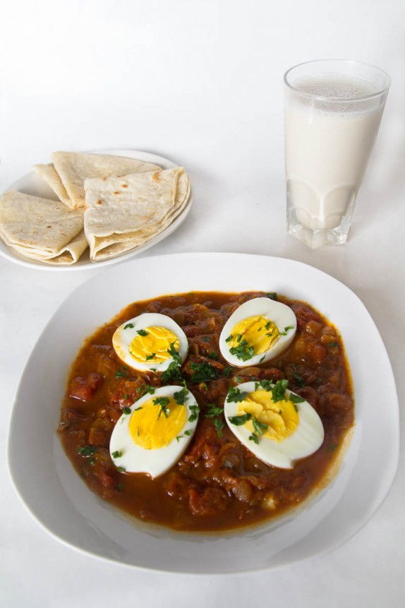Egg Curry (Anda Curry) by Indiaphile.info