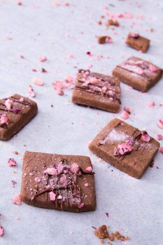 Chocolate Cardamom Shortbread Cookies with Candied Rose Petals by Indiaphile.info