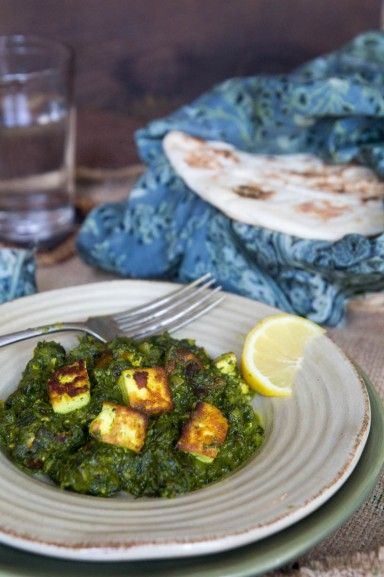 Spinach and Cheese Curry (Palak Paneer). Recipe by Indiaphile.info