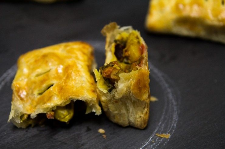 Mixed Vegetable Curry Puffs