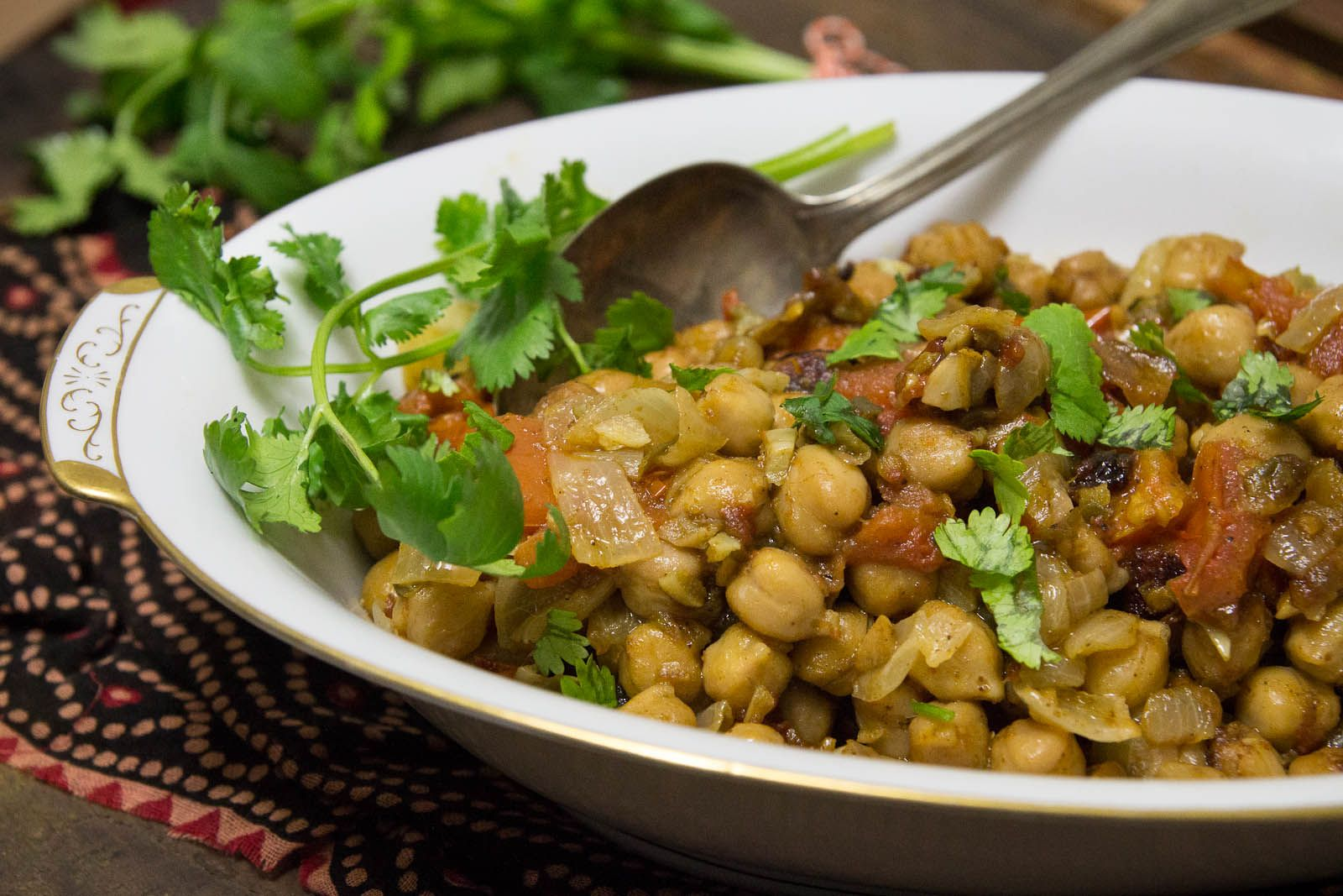Super easy chana masala indiaphile chana masala recipe by indiaphilefo forumfinder Image collections