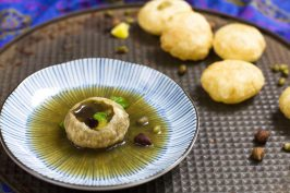 Pani Puri recipe by Indiaphile.info