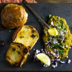 Pav Bhaji recipe by Indiaphile.info