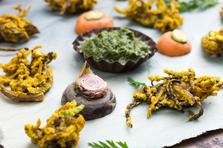Carrot Bhajias recipe by Indiaphile.info