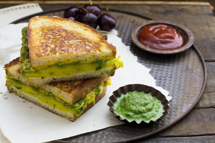 Potato Sandwiches - a delicious cheesy potato filling and spicy chutney combine to make an Indian Street Food favorite.