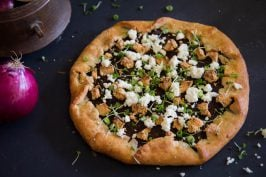 Paneer and onion pizza